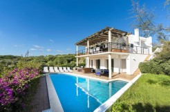 Villa in Cala Llonga with see views