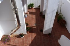 (Español) Casa con patio y garaje en Mahón
