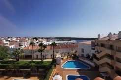 Duplex with sea view, Es Castell